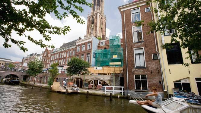 Primeur: voor het eerst zijn er sloop- en bouwmaterialen door de Utrechtse grachten vervoerd