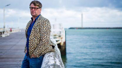 Piv Huvluv strijkt (eindelijk) in Oostende neer met show 'Zijn er nog vragen?'
