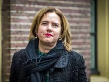 Minister slaat eerste paal voor Reevesluis in Drontermeer