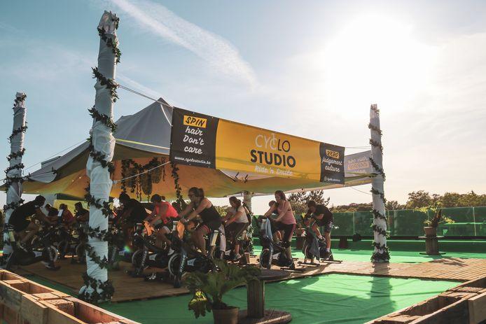Cyclo Studio plaatste alle trainingstoestellen op het dak.