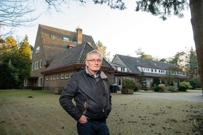Lex Hoogeveen ziet kansen voor Huize Vrijland in Wenum Wiesel. Wat hem betreft komen er ruim honderd arbeidsmigranten wonen.