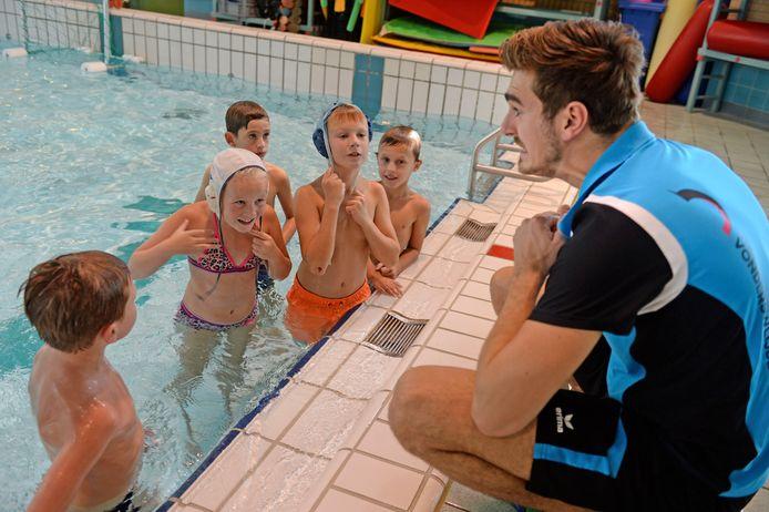 Schoolzwemmen in Oldenzaal.