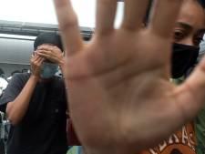 """Paradis pour gays et vie de luxe bon marché: un couple de lesbiennes expulsé de Bali après une série de tweets """"dérangeants"""""""