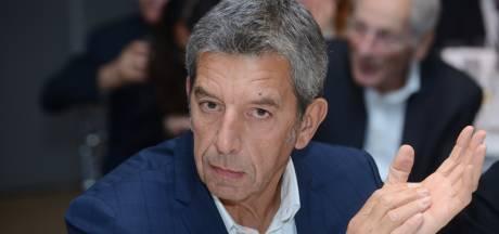 """Michel Cymes accusé de plagiat par un journaliste: """"Pouvez-vous me verser le montant de sa paie?"""""""