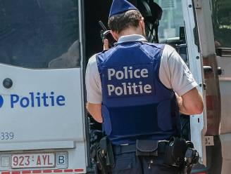 Smokkelaars laten migranten 3.000 euro betalen voor overtocht naar Groot-Brittannië, maar laten slachtoffers berooid achter op parkings