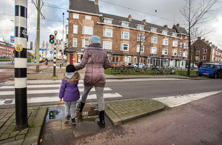 Rotterdam Charlois is een van de wijken waar de Rotterdamwet wordt toegepast. Beeld arie kievit