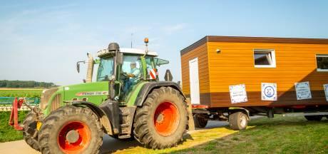 Lelystadse boeren bouwen rollend buurthuis