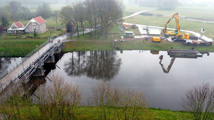 De voorbereidende werkzaamheden voor een drooglegconstructie bij de stuw van Junne werden eerder dit jaar stil gelegd.