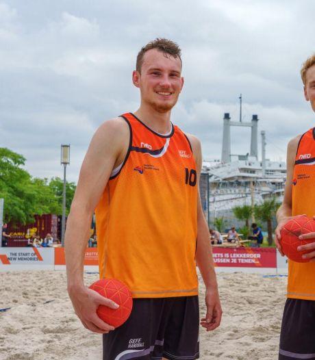 Arnhemse jongens kijken verder dan EK beachhandbal: 'Sport wordt olympisch in 2028'