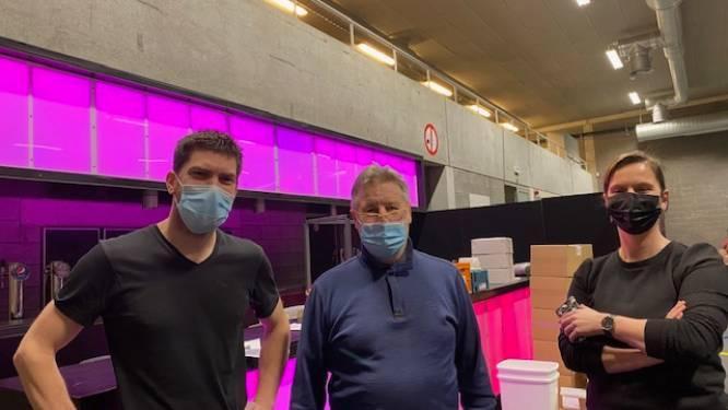 """Eerste vaccins geleverd in vaccinatiecentrum Zottegem: """"Alles zit veilig achter slot en grendel"""""""