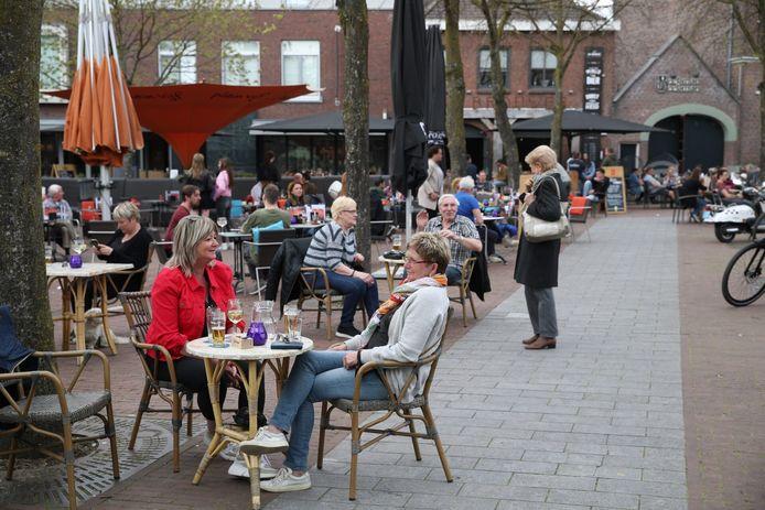 Op het terras bij de Potdeksel in Deurne.