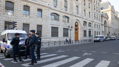 Onderzoek dodelijke steekpartij bij politie Parijs overgedragen aan antiterreurparket