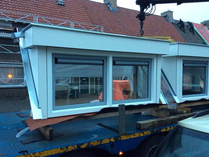 De dakkapel die is weggenomen uit de Jan Stevensstraat in Helmond
