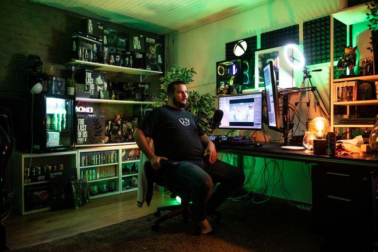 Thijs Bastiaens verzamelt games: 'Er is iets gaande waar we als verzamelaars geen hoogte meer van krijgen.' Beeld Wouter Maeckelberghe