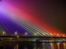 Rotterdam neemt stelling in EK-rel: Erasmusbrug in regenboogkleuren