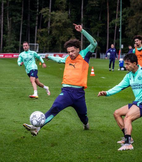 Een dagje kijken, kletsen en flirten bij de training van PSV is weer bijna de gewoonste zaak van de wereld