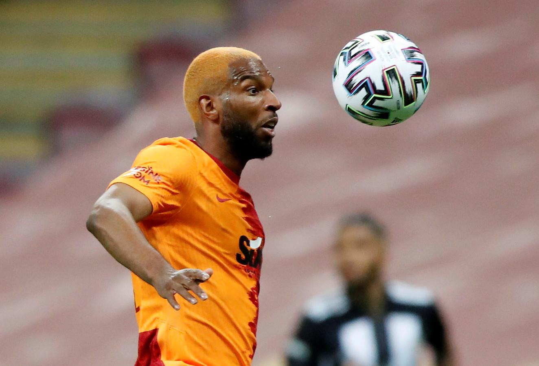 Ryan Babel in het shirt van Galatasaray, de nummer twee van vorig seizoen in Turkije.