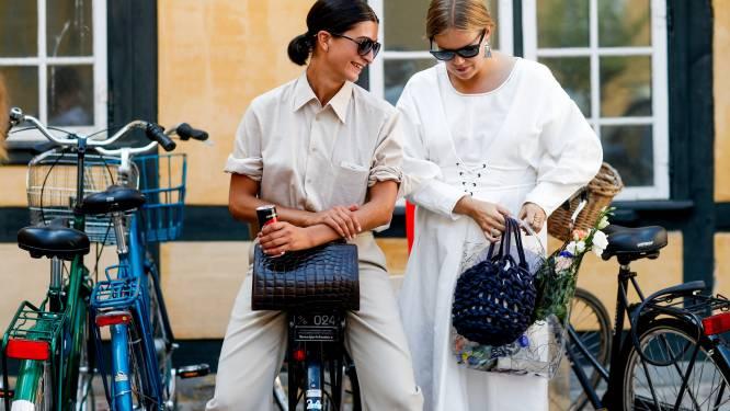 Witte of zwarte kledij: maakt dat eigenlijk uit in deze hitte?