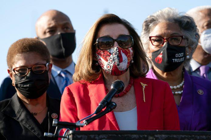 Nancy Pelosi gisteren voor het Capitool in Washington DC.