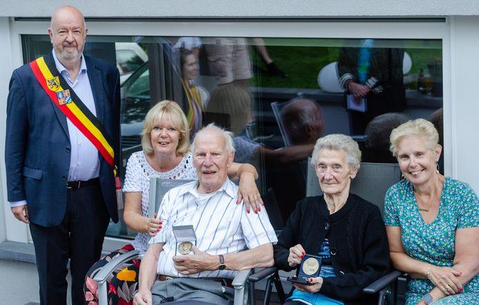Maurice Motten (88) en Raymonde Brouns (85) vierden in Halle hun briljanten huwelijksjubileum.