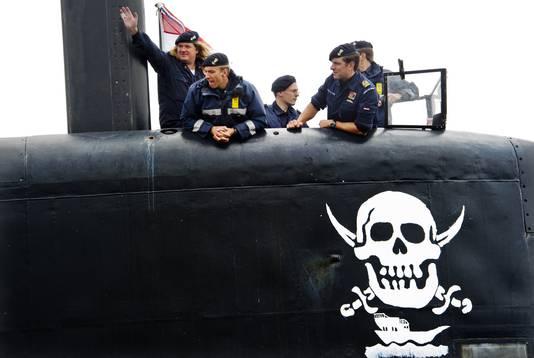 Bemanningsleden van de Hr.Ms. Dolfijn bij terugkeer uit Somalië.