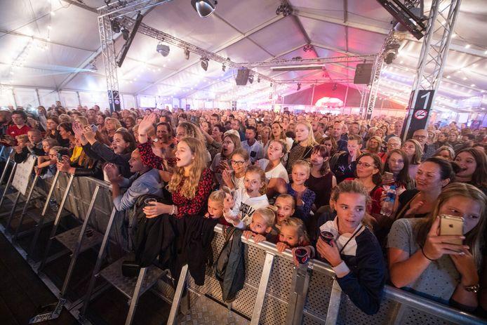 De grote feesttent ontbreekt in september op het Dunantplein bij Bruisend Nijverdal.