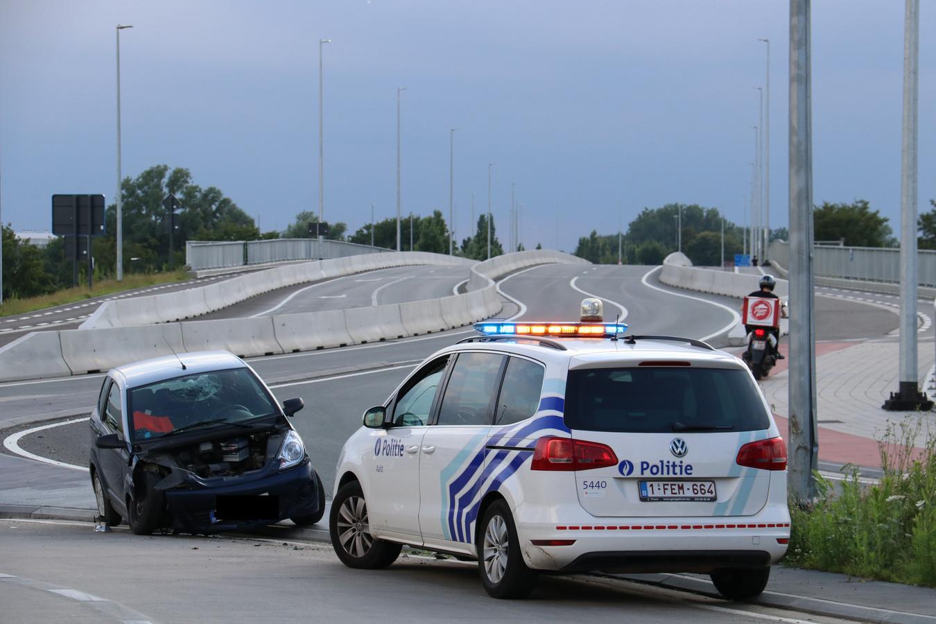 Het ongeval gebeurde aan de rotonde.
