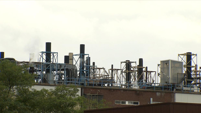 De 3M-fabriek in Zwijndrecht. Beeld VTM NIEUWS