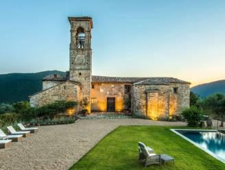 Na jaren van leegstand wordt vervallen kerkje verbluffende vakantiewoning