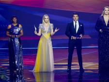 Chantal en Edsilia onthullen galajurken voor halve finale songfestival