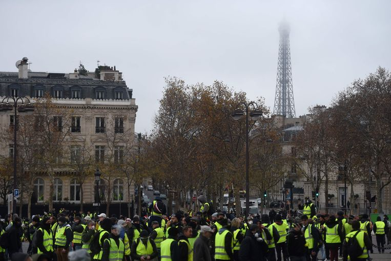 De Eiffeltoren blijft zaterdag gesloten. Beeld AFP