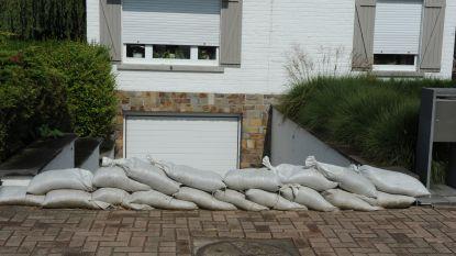 Vanavond mogelijk zwaar onweer: zandzakjes kunnen preventief opgehaald worden op zes locaties