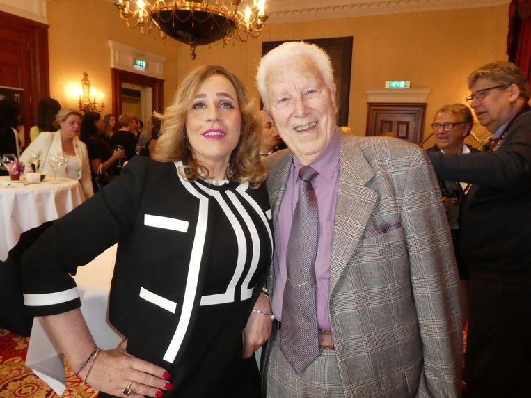 Hoofdsponsor/advocaat Conchita van Rooij en acteur/ambassadeur Paul van Gorcum: