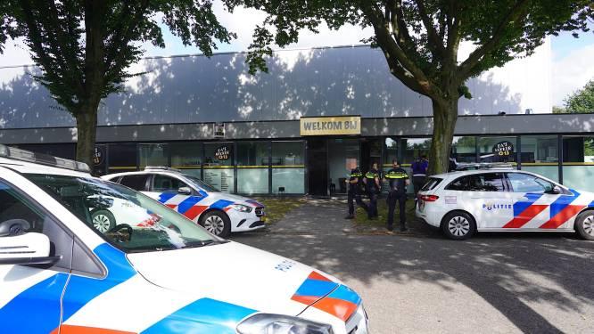 Politie ontdekt ondergrondse hennepkwekerij in bedrijfspand in Tilburg