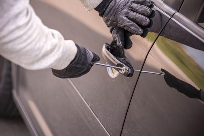 stockadr stockpzc inbraak autoinbraak auto gestolen stelen Breaking into car !