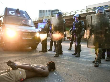 Heurts lors de la manifestation interdite contre les violences policières à Paris: 18 interpellations