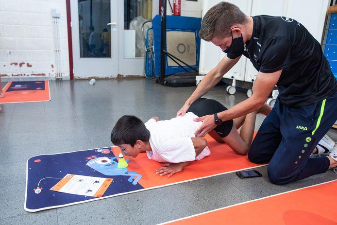 Na het uitvoeren van een aantal testen en bewegingsoefeningen krijgen de leerlingen een rapport met daarop de zeven sporten waar ze het meeste aanleg voor hebben.