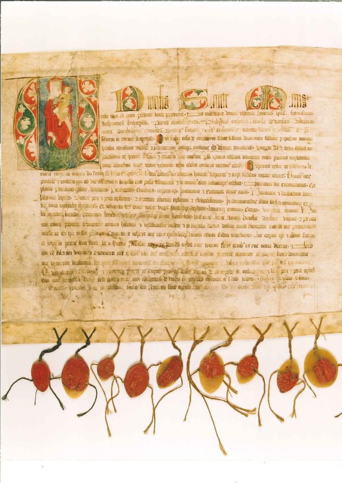 Aflaatbrief van 10 bisschoppen voor de Illustre Lieve Vrouwe Broederschap (1335). Collectie Museum Het Zwanenbroedershuis foto BHIC.
