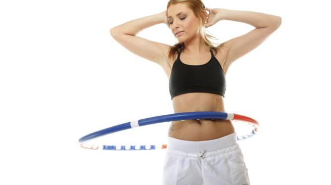 Hoelahoepen: dé sport die zwangere vrouwen fit houdt