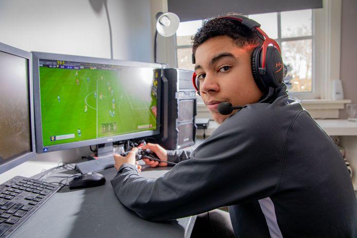 Levi de Weerd (15) wist in januari 148 van de 150 wedstrijden te winnen, en mag zich daarmee (in ieder geval in januari) de beste FIFA-speler ter wereld noemen.