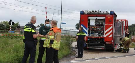Ongeluk met drie auto's op kruising Biezenmortel, zwaargewond slachtoffer overleden