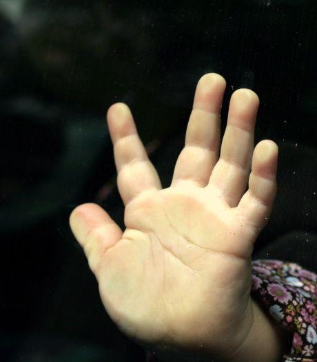 Vader die drie kinderen ontvoerde naar Turkije krijgt 2,5 jaar cel: dochter (7) nog altijd bang om 'gestolen' te worden