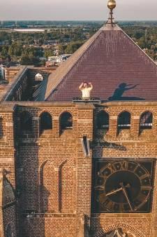 DJ Kruzo sjouwde de mengtafel naar dak basiliek Oirschot