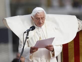"""Paus noemt kerk """"gewond door zonde"""""""