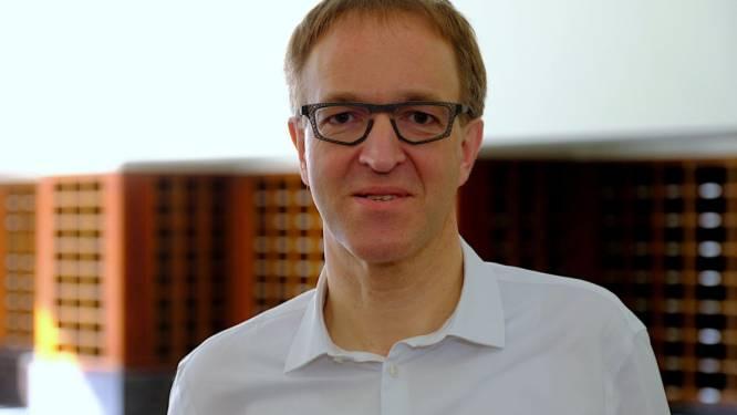 """UGent-rector Rik Van de Walle zo goed als zeker van tweede termijn: """"Met het positieve van online lessen gaan we verder aan de slag"""""""