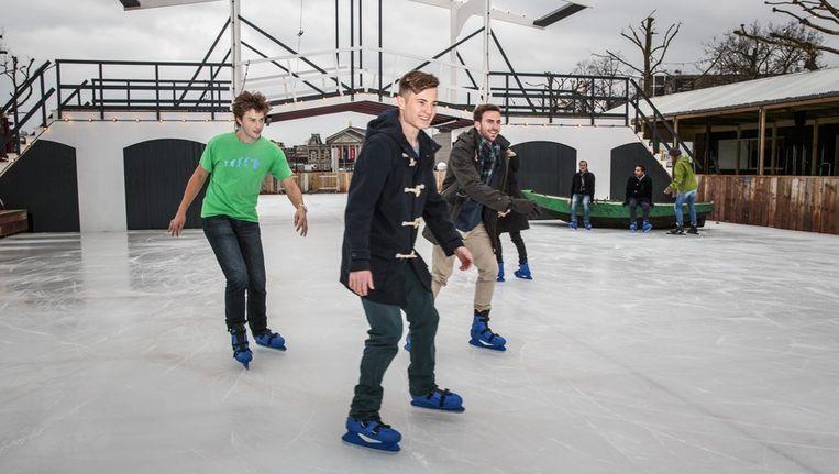 De ijsbaan op het Museumplein Beeld Dingena Mol