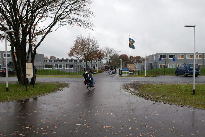 Het AZC in Hardenberg kan als het aan betrokkenen ligt tot en met 2026 open blijven.