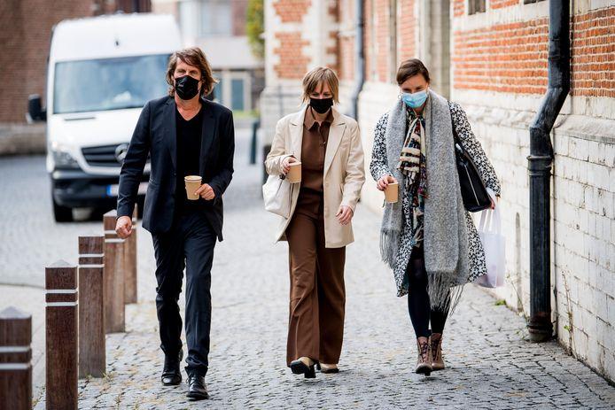 Dymphne Poppe en Liesbet Stevens bij de correctionele rechtbank in Mechelen.