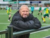 Trainer Theo schrijft aanstekelijk boek: 'Heb je havo gedaan, krijg je in Voorschoten al snel het stempel zwakzinnig'