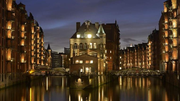 De huizen in Hamburg zijn bijna onbetaalbaar. Beeld REUTERS